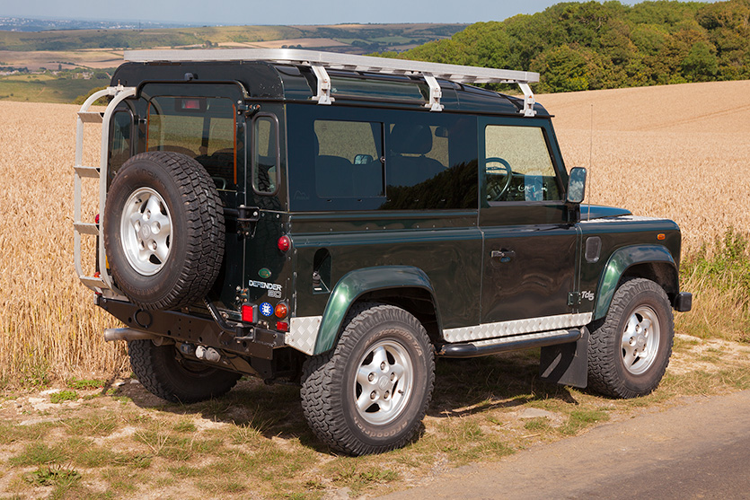 Land Rover Defender Back