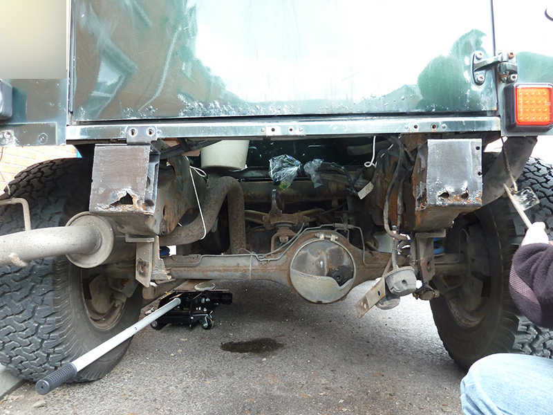 Land Rover Defender 110 >> Landrover Defender Replacement crossmember fitting