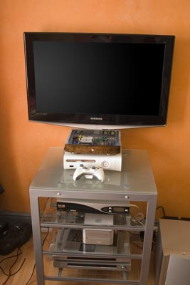 X2 Custom Case Built To Make The Xbox Console As Small And